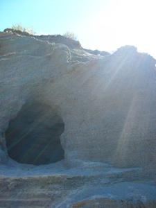 empty-tomb-8