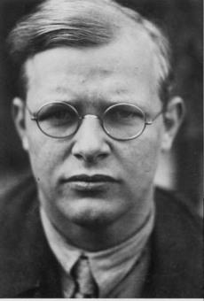 photo of Dietrich Bonhoeffer courtesy eardstapa.files.wordpress.com